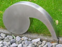 ineke-otte-design-stainless-steel-comma-kunst-grafmonument-